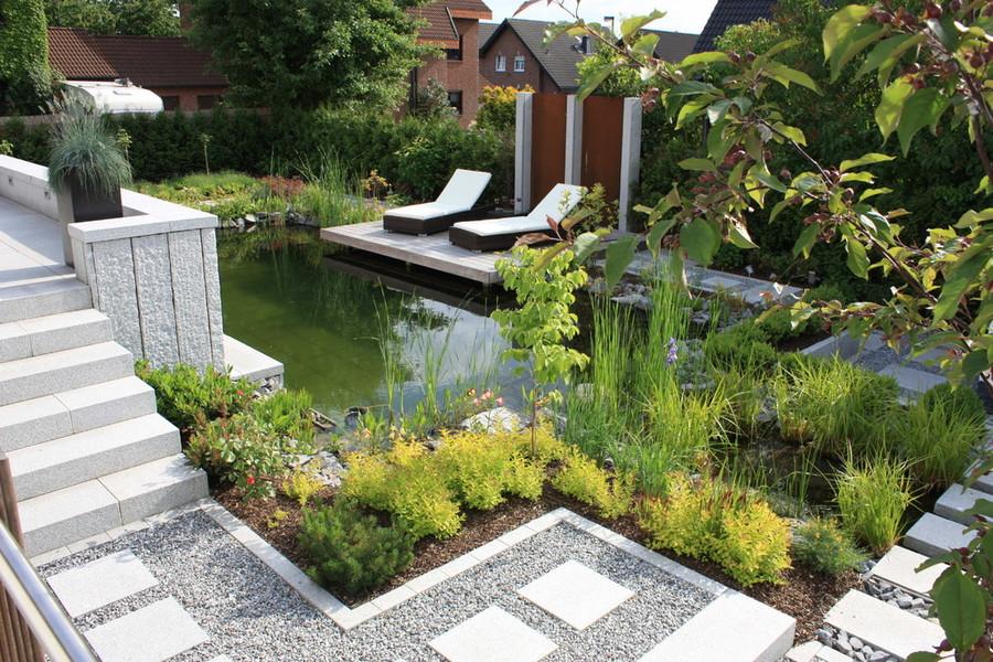 hanggarten mit schwimmteich gestalten bauen